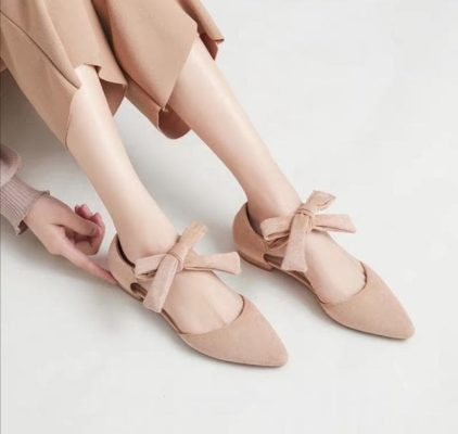 Kiểu giày phù hợp với không gian bữa tiệc